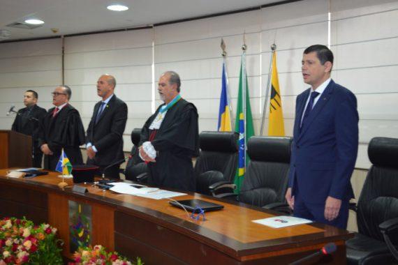 Elton Assis participa de cerimônia de posse dos novos dirigentes do TJRO