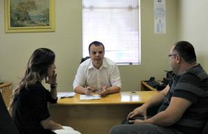 Secretário-geral, Márcio Nogueira, recebe relatório dos trabalhos realizados pela caravana