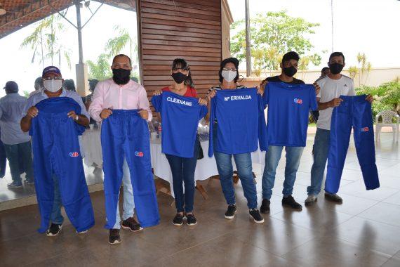 OAB entrega uniformes e equipamentos de proteção individual a colaboradores do Clube do Advogado