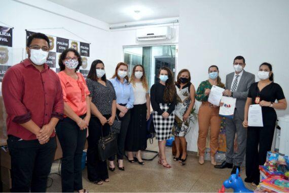 OAB Rondônia doa brinquedos para a Delegacia Especializada de Atendimento à Mulher